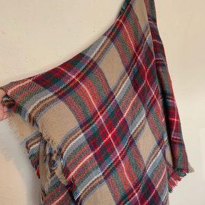 EUC ModCloth plaid scarf